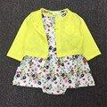 2017 meninas novas do bebê verão dress + roupa menina bonito floral dress com shorts menina recém-nascidos macio algodão liso amarelo outfit 15e