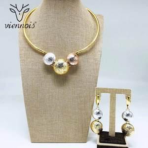 Image 2 - Viennois moda altın renk Dangle küpe kolye gerdanlık kolye nijeryalı takı seti kadınlar için Metal parti takı seti