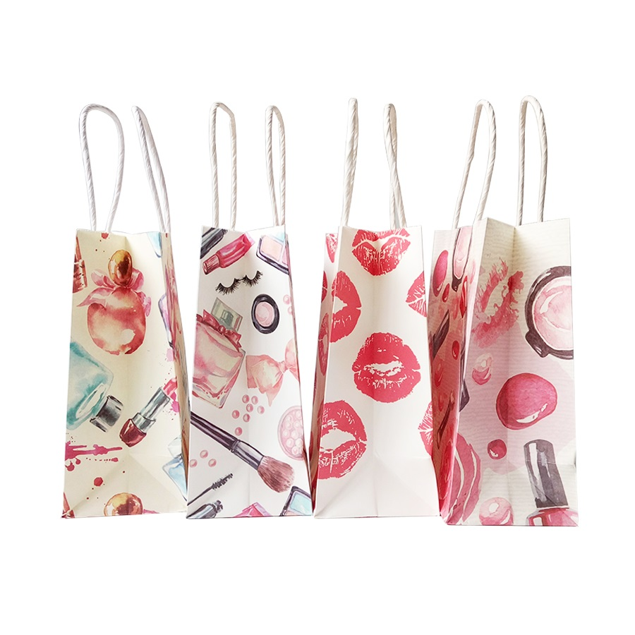 10 Pcs/lot 15x18cm Small Gift paper Bag With Handles for fashion store Wedding Party Xmas New year Beauty Gift Bag Lips Perfume