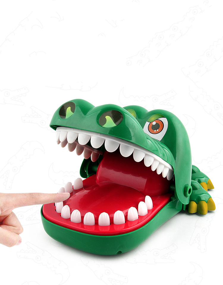 Bite a little creative tricks largeMagical beast game prank funny crocodile crocodile bite finger family game toy novelty insert