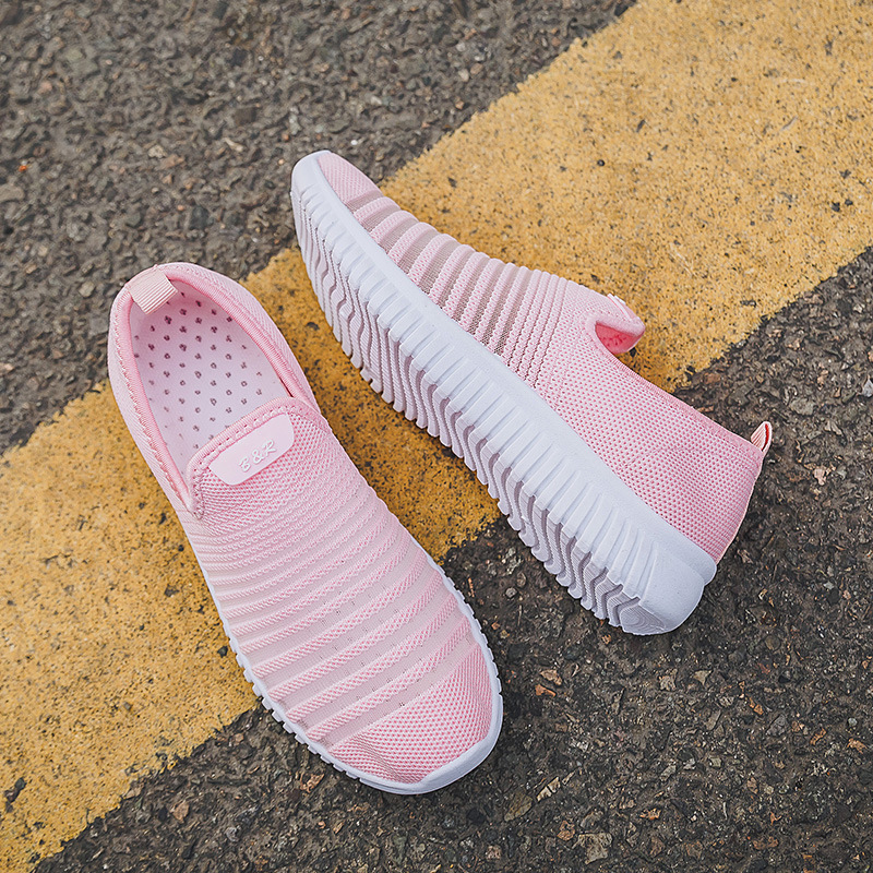 Outdoor mesh Sneakers Women summer Casual Flat walking Shoes New Fashion Lightweight Breathable Black and White sport Shoes in Walking Shoes from Sports Entertainment