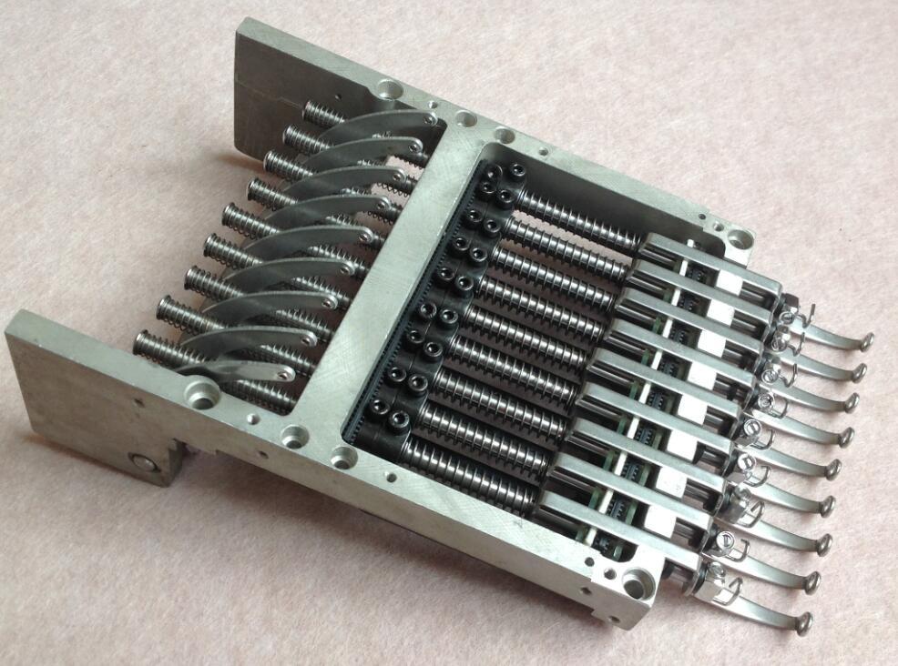 Ensemble de boîtier de barre d'aiguille 9 couleurs ensemble style plus grand pour certains de Tajima Feiya etc. machines à broder en chine/pièces de rechange