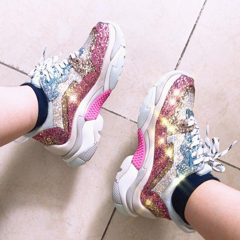Мода Bling блестками ткань Для женщин кроссовки обувь на платформе смешанных Цвет уличный стили дизайнер зашнуровать ультра обувь женщина