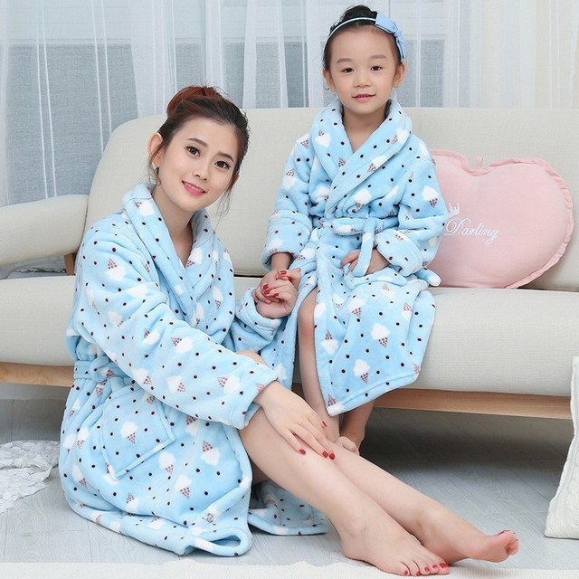 Autumn Winter Night Gown 2018 Long Sleeve Thick Family Pajamas Mother  Daughter Son Flannel Robe Women Sleepwear Print Bathrobe 18c5e20ea