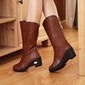 Plus size 39 moda de Invierno nueva llegada Mujeres Botas de Mitad de la Pantorrilla negro Azul Marrón tacones pisos media botas zapatos de la Nieve de otoño L-125