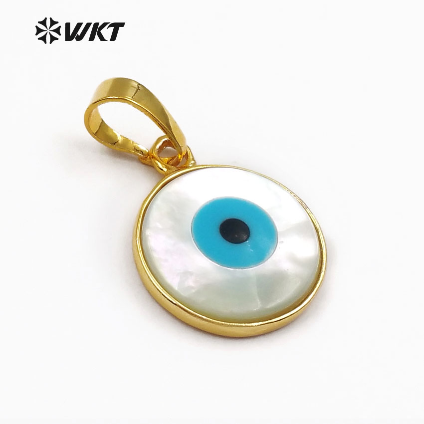 WT-P628 Fashion pendant jewelry natural shell evil eye round white charm pendant with gold bezel for women perfect gift loving