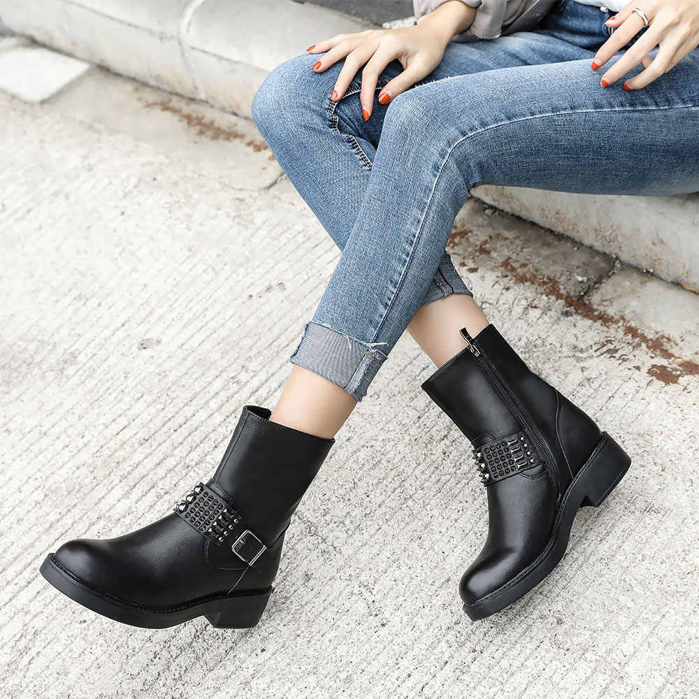 Donna-in/2019 г. Ботинки осень зима женские ботильоны на платформе и квадратном каблуке женские ботинки черного цвета с круглым носком женская обувь с ремешком и пряжкой