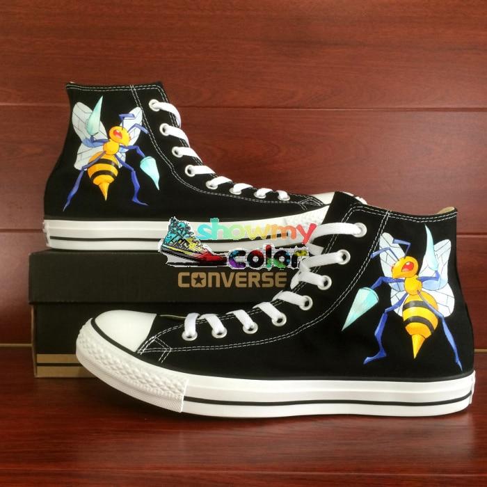 Prix pour Abeille conception originale converse all star noir femmes hommes chaussures pokemon aller beedrill abeille chaussures peintes à la main personnalisé sneakers