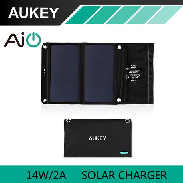 Aukey 14 w cargador solar con doble puerto usb para apple iphone, Android (Plegable y Portátil, AiPower de Adaptación Técnica de Carga)