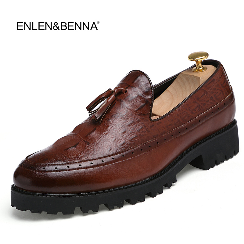 Tassel Men Oxford Shoes Mens Patent Leather  Italy Casual Shoes Luxury Dress Party Wedding Flats Shoes 3colors 2016 New Brand fashion top brand italian designer mens wedding shoes men polish patent leather luxury dress shoes man flats for business 2016