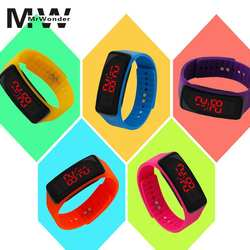 Mrwonder детские электронные часы светодиодный Экран номер силиконовые PC Красочные повседневные спортивные часы цифровые часы браслет SAN0