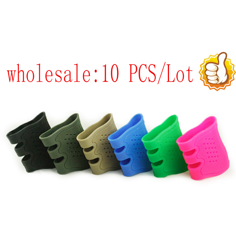 Vente en gros 10pcs / lot Tactical Pistol Rubber Grip Cover Sleeve Anti Slip pour Glock 17 19 20 20 22 22 25 25 Series BK DE RED