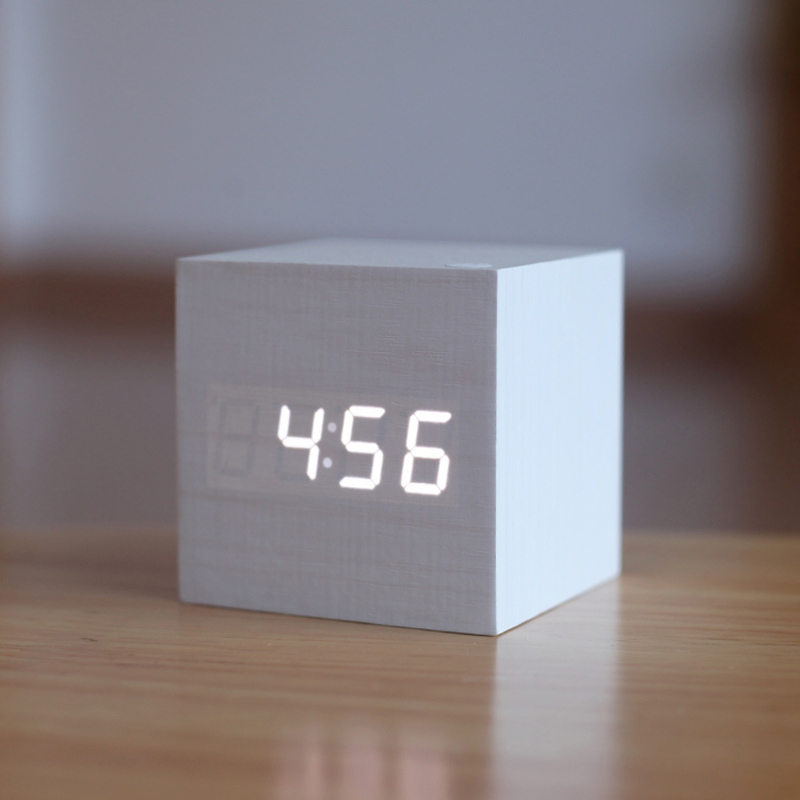 brief art clock silent watch gift small electronic Antique office clock vintage Digital clock LED Retro table personalized