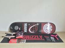 Pro Skateboard Deck Trucks Wheels & Bearings Mixed Brands Complete Skate Set Plus Riser Pad Hardware Set & Installing Tool