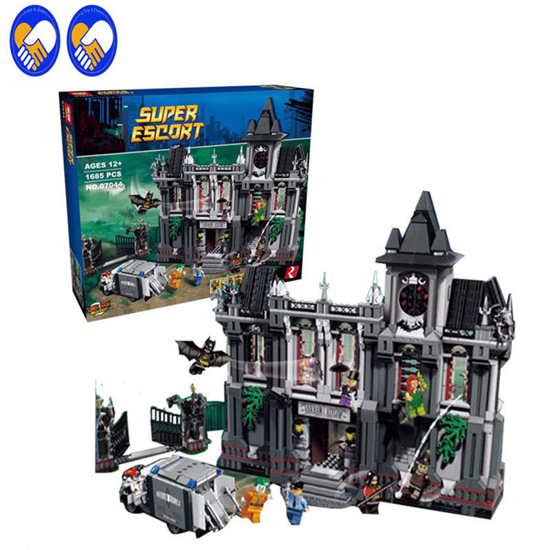 A Toy A Dream Super Heroes 07044 DC Comics Batman Arkham Asylum Breakout Building Brick Toys Compatible 10937 neca dc comics batman arkham origins super hero 1 4 scale action figure