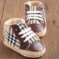 Classic Fashion Kids Deporte de Los Muchachos Zapatos de los Bebés Infant Toddler Primeros Caminante Guinga Zapatillas Cuna Inferior Suave Zapatos de Suela