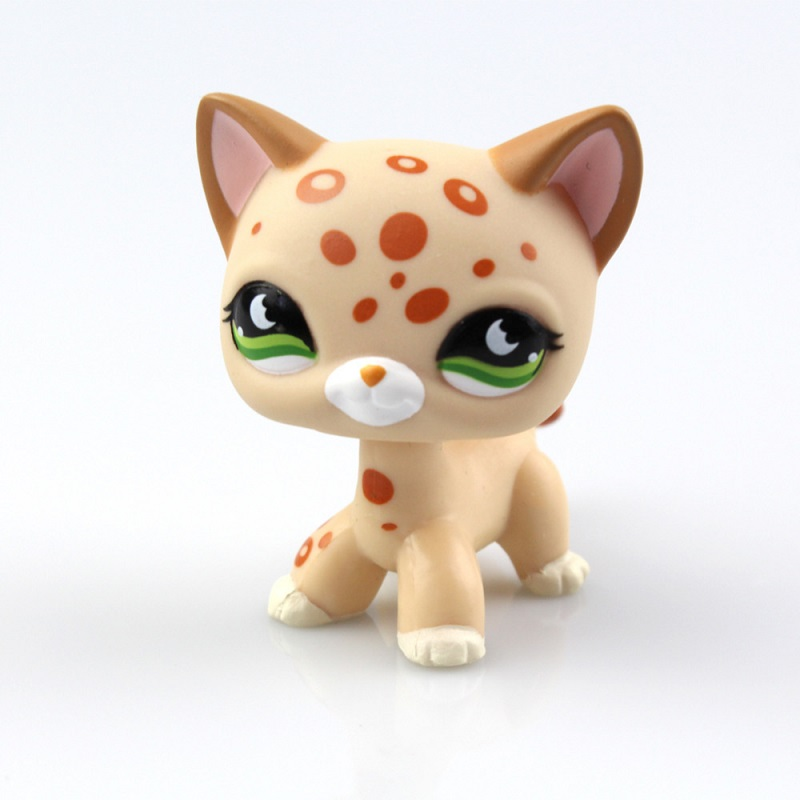 LPS Pet Shop Light Yellow Spot Kitten with Green Eyes Cat 5cm Free shipping lovely pet collection lps figure toy black yellow short hair siamese cat blue eyes nice gift kids
