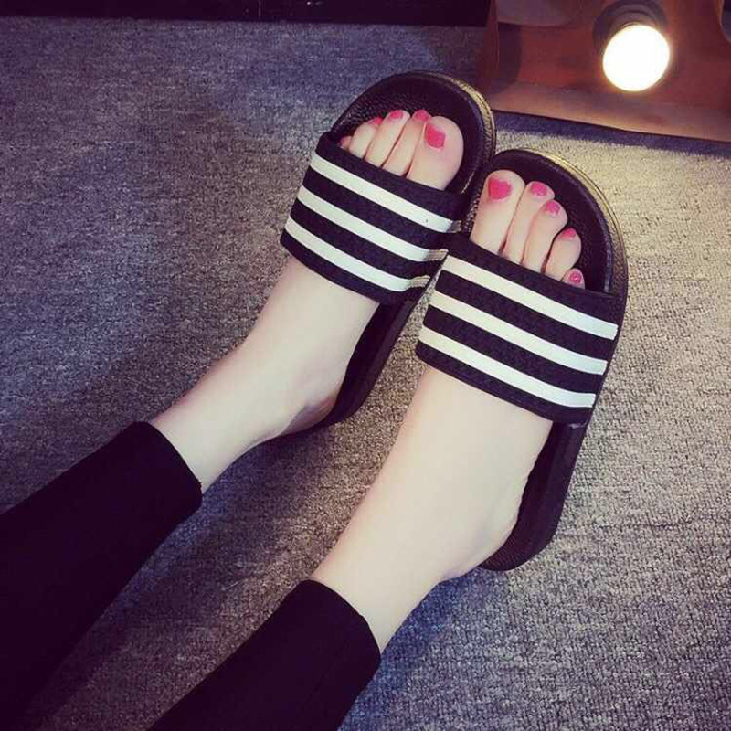 Fashion Summer Slippers For Women And Men Home Bath Flats Flip Flops Casual PVC Striped Non-slip Slipper Lovers Indoor SlidesFashion Summer Slippers For Women And Men Home Bath Flats Flip Flops Casual PVC Striped Non-slip Slipper Lovers Indoor Slides