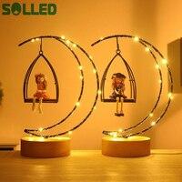 SOLLED Filles Lune Forme LED Lampe de Bureau Fée Lumières Chambre Nocturne Scintillante Résine Artisanat Jouet Décoration