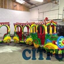 Красочный погоня поезд детский инвентарь для игровой площадки парк развлечений электрическая езда для 8 игроков HC-002D