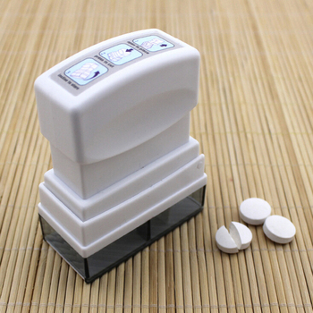 1PC medycyna przecinarka do tabletek tabletka medycyna rozdzielacz rozdzielacz pojemnik rozdzielacz bezpieczne organizuj pudełko do użytku domowego tanie i dobre opinie Jiauting Przypadki i rozgałęźniki pigułka plastic splitter with pill container
