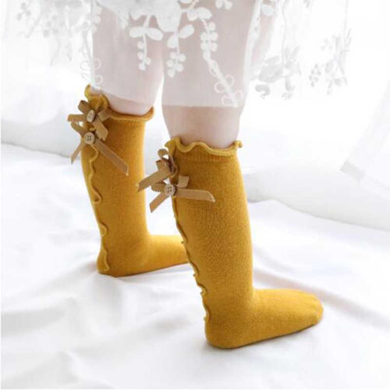 Гольфы для девочек из хлопка Луки с оборками платье принцессы на пуговицах с кружевом для малышей Детские длинные носки до колена, теплые зимние детские мягкие нарядных носков T2131