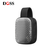 DOSS Mini altavoz estéreo portátil, inalámbrico por Bluetooth, para exteriores, con gancho de viajero, IPX4, impermeable, a prueba de polvo, mini altavoz para PC