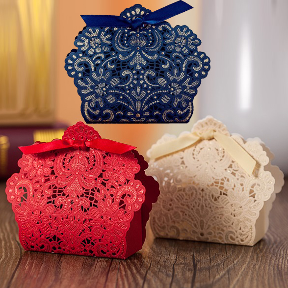 50pcs Red Navy Blue Gold Wedding Boxes Laser Cut Candy Box With Ribbon Casamento