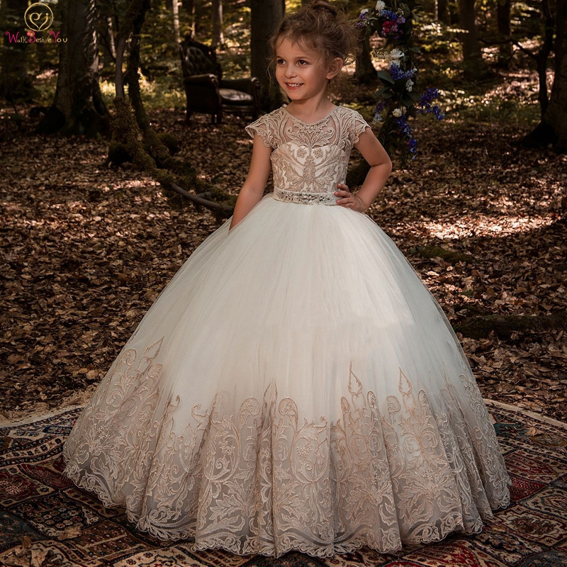 2019 Ball Gown Long Flower Girl Dresses For Wedding Lace Crystal Beads Sashes Girls First Communion Gowns Special Occasion Dress