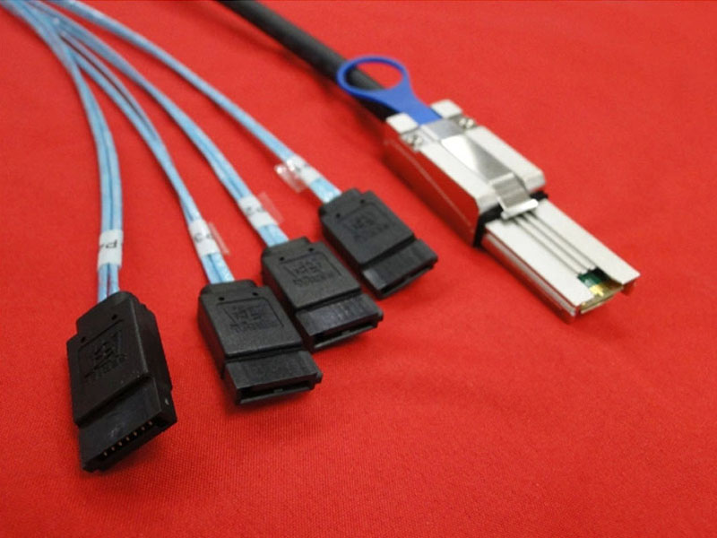 Free Shipping 2M Mini SAS SFF-8088 to 4x SATA Data Cable 26Pin to 4x7Pin SATA3.0 Support 6Gbps