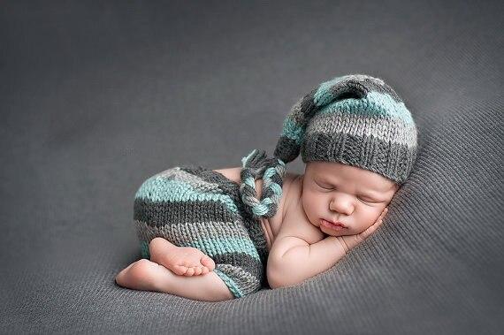 Photo photography prop. Newborn Long tailed stripey pixie elf hat with pom pom
