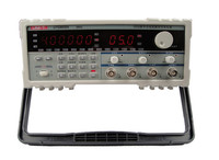 UNI T UTG9005A 5MHZ DDS Universal Waveform Signal Function Generator