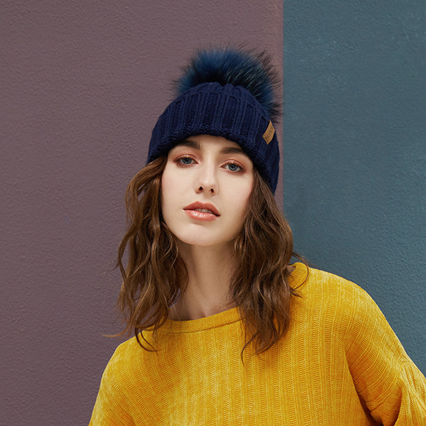 Real Raccoon Fur Pom Poms Beanies Winter Hat Female For Women Knitted Cotton Thick Cap 2018 New Fashion Warm Beanie Hot Selling