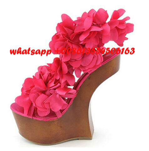 ФОТО hot selling beautiful flower embellished high heel sandal 2017 peep toe hoof heels platform sandal woman gladiator shoes