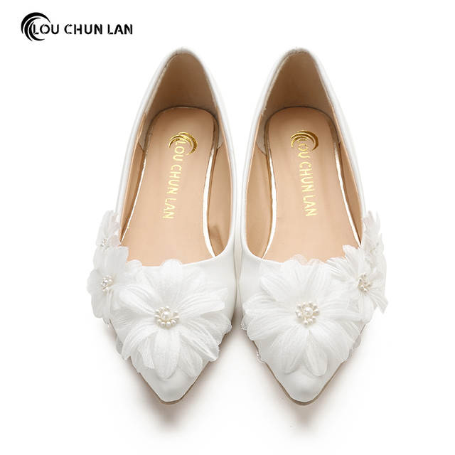 5e53bbc159 US $44.93 39% OFF|Handmade Wedding Shoes White Bridal Shoes elegant  Princess fancy Wedding Shoes bridesmaid Shoes Women's flat Large Size 41  52-in ...