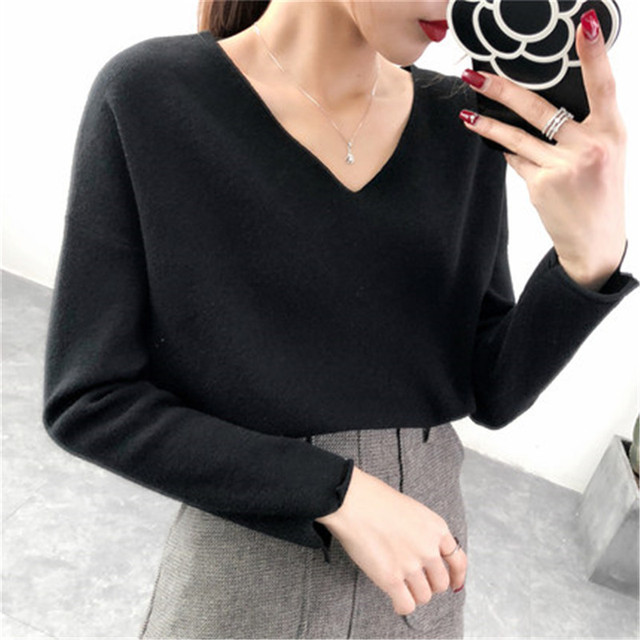 102567a299c9 2018 Autumn Winter Women Sweaters and Pullovers V Neck Cashmere Sweater  Choker Pearl knitted Sweater Jumper basic tops PZ562