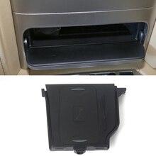 Cargador inalámbrico QI de 10W para coche, cargador móvil inalámbrico, placa de carga rápida, accesorios para Toyota LAND CRUISER, iPhone 8
