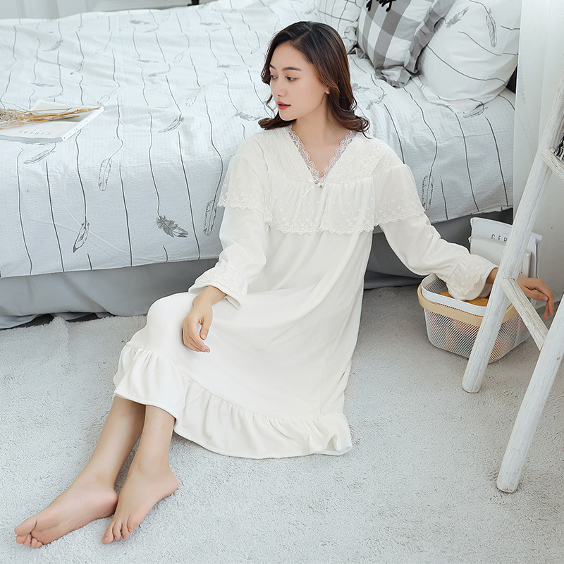 Fall Winter New Warm Velvet Nightdress Female Long Sleeve Palace Lace Princess Dresses Women Nightgowns Sleepshirts Home Clothes