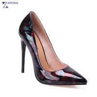 Últimas elegante flor mujeres bombas Super alto talones delgados Primavera Verano floral punta estrecha negro señoras zapatos baratos con grande arco