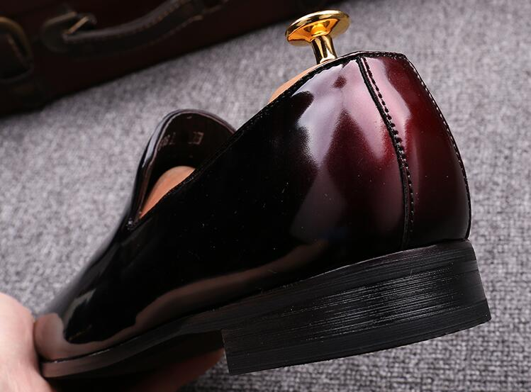 2017 Italy Designed Party Dress Shoes For Men Flat Formal Men Black Patent Leather Oxford Weddng Shoe Zapatos Hombre Moccasins in Men 39 s Casual Shoes from Shoes