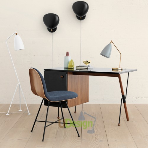Gubi_Grossman_62_Desk__GrassHopper_Lifestyle-500x500