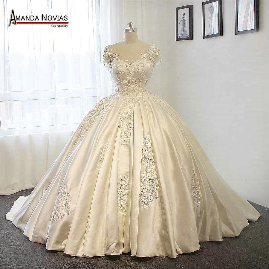 Big Ball Gown Wedding Dress_Wedding Dresses_dressesss