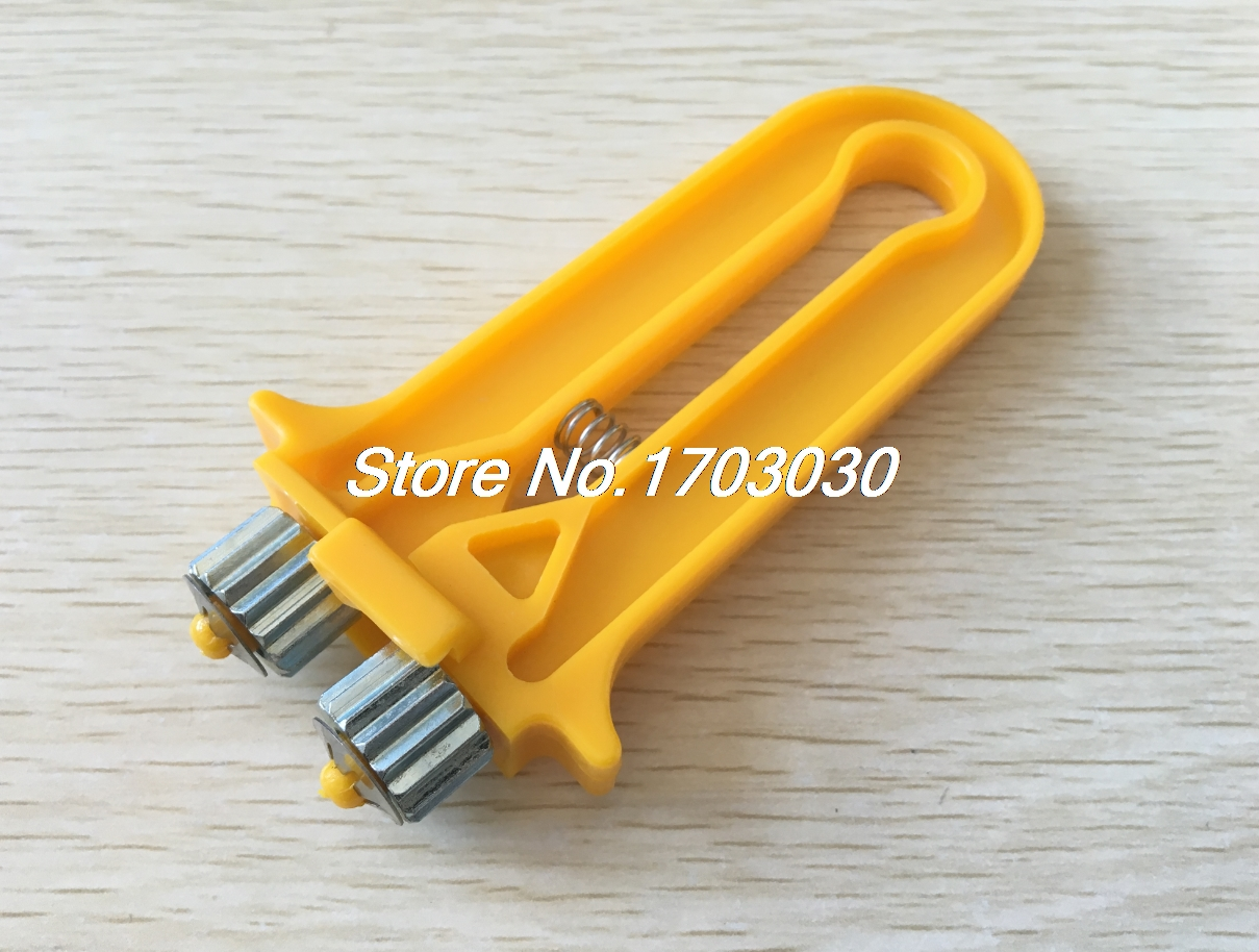 1PC 2in1 Beekeeping Bee Wire Cable Tensioner Crimper Crimping Tool Hive Bee Tool pro skit 8pk 313b 5 in 1 wire bolt cutter crimping stripping tool yellow black