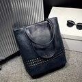 2017 Luxury Brand Designer High Quality PU Leather Bucket Handbag Women Large Capacity Rivets Totes Messenger Shoulder Bags