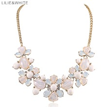 LILIE&WHITE 2017 brand fashion Resin gem Flower maxi Statement Necklace women Jewelry Lovers' collar choker Necklace For Girls