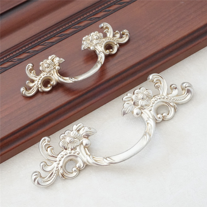 Antique Silver Dresser Pull Handles Drawer Pulls Door Handles  Flower Cabinet Pulls Handles Knobs Furniture HardwareAntique Silver Dresser Pull Handles Drawer Pulls Door Handles  Flower Cabinet Pulls Handles Knobs Furniture Hardware