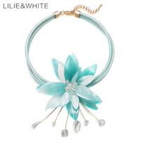 LILIE WHITE Acrylic Flower Choker Necklace With Crystal Collar Necklace Faux Leather Fashion Jewelry Christmas Gift