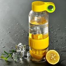 Deporte de la manera botella de agua potable de lemon beber jugo de fruta exprimidor manual de botella de la coctelera botella infusor para deportes al aire libre