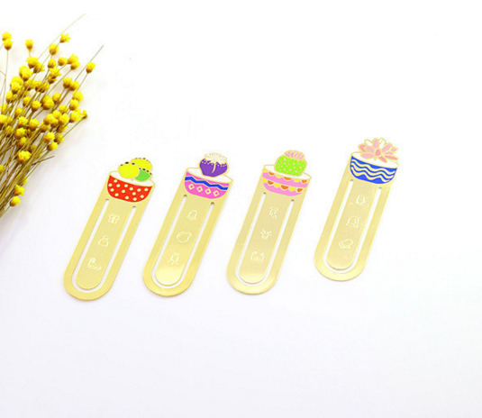 1Pcs set Cute Flower Plant Metal bookmarks for reading Succulents Sakura paper clip School supplies