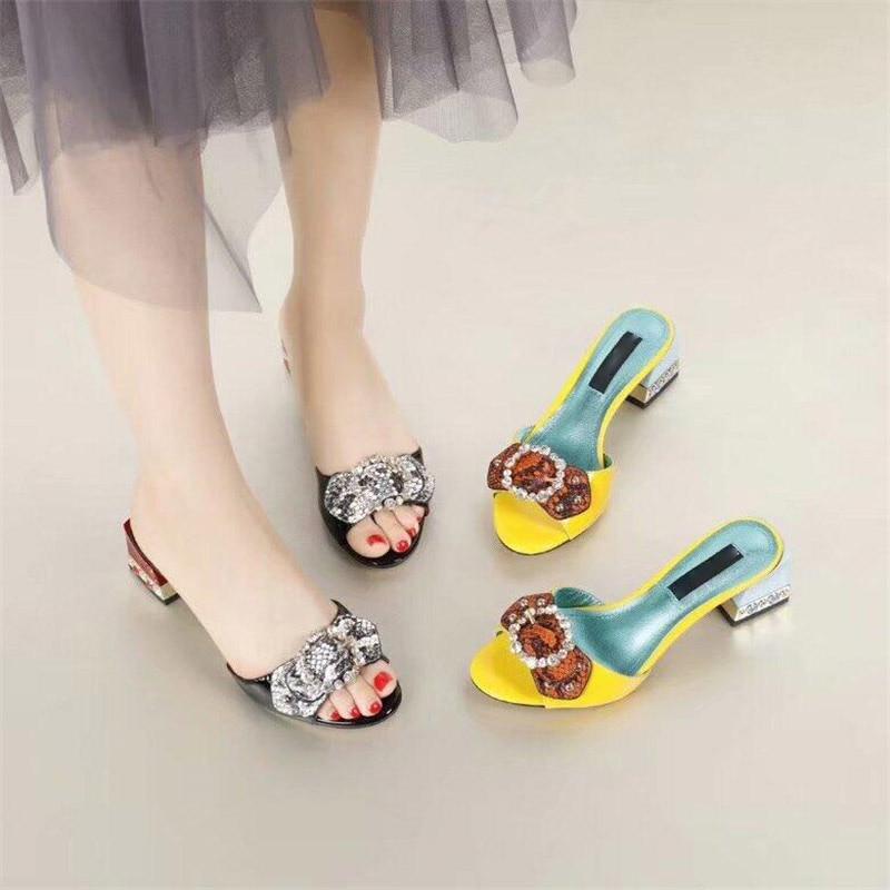 Zapatos Perlas Zapatillas Verano Cuadrados Tacones De yellow Dulce Del Pajarita Cristal Mujer Black Remaches Fugitivo Abierto Sexy Pie Dedo 4ZIAqwd